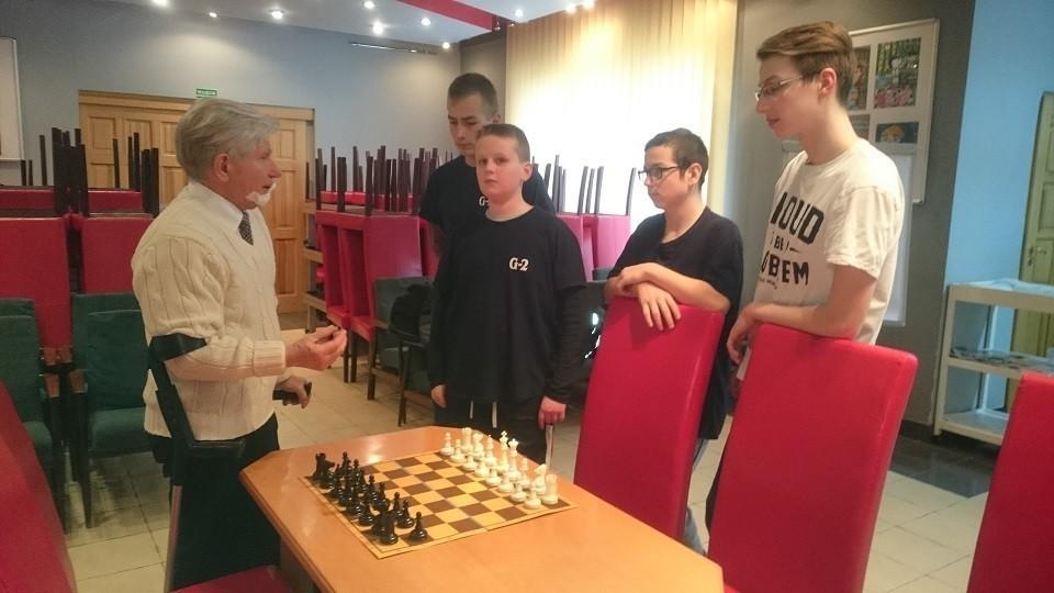 Lekcje szachów w Bibliotece Miejskiej