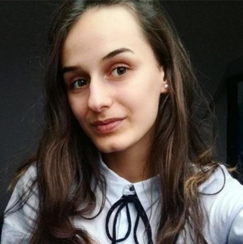 Głosujemy na Julkę Stężalską z klasy IIIA
