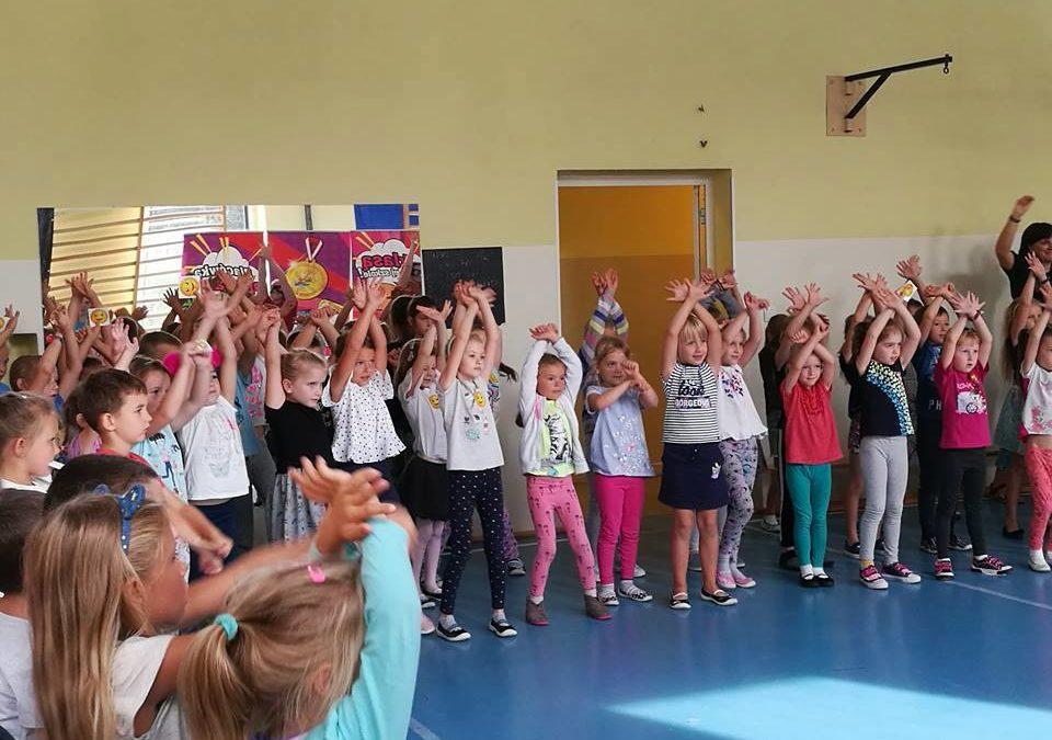 """""""Tańcz z klasą w swojej szkole"""" – pokaz szkoły tańca"""