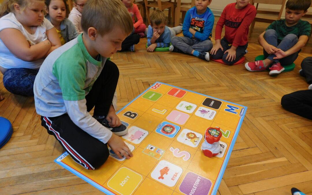 Zabawy z robotem edukacyjnym